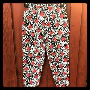 Women's zebra floral print size 2 Capri pants